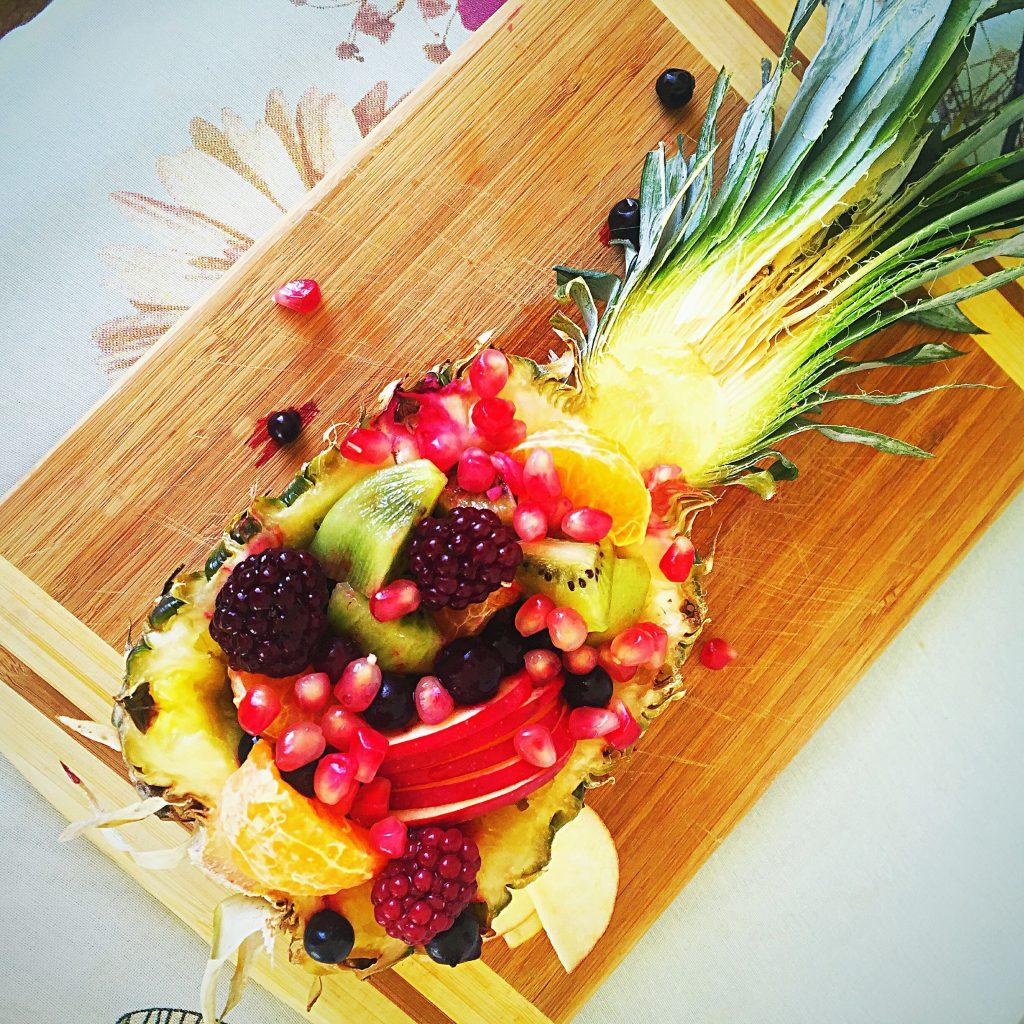 ananas cu fructe